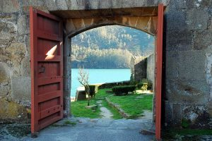 open-door-1152770-m
